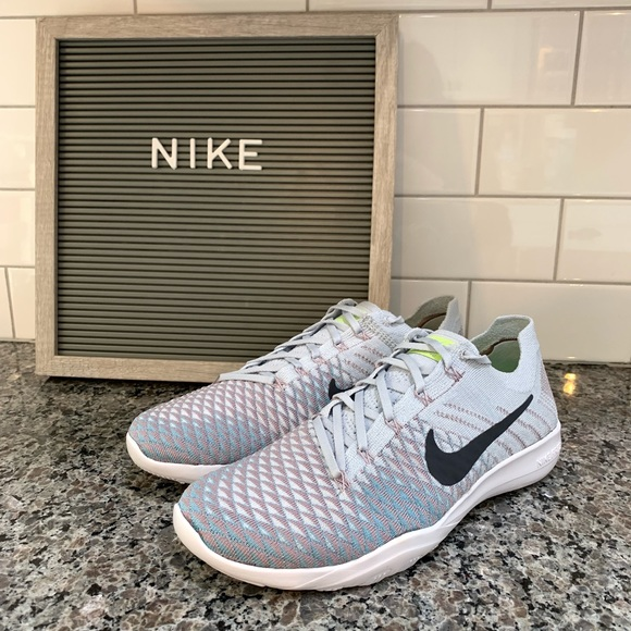 61953b98180e Nike Women s Free TR Flyknit 2 Size 8